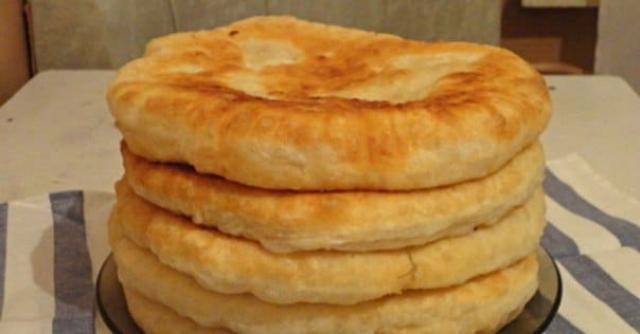 Пушистые лепешки на кефире: замена хлебу